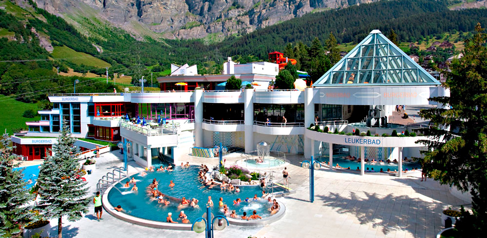 Leukerbad-Therme im Sommer